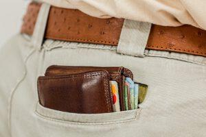 Brieftasche in der Hose
